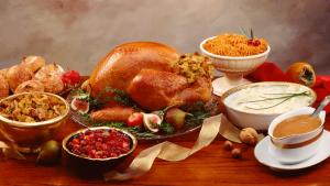 112012-health-thanksgiving-dinner-turkey-table-family-holidays